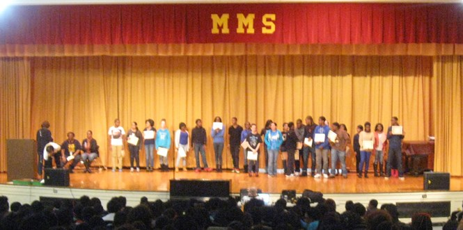 8th grade Honor Roll awardees