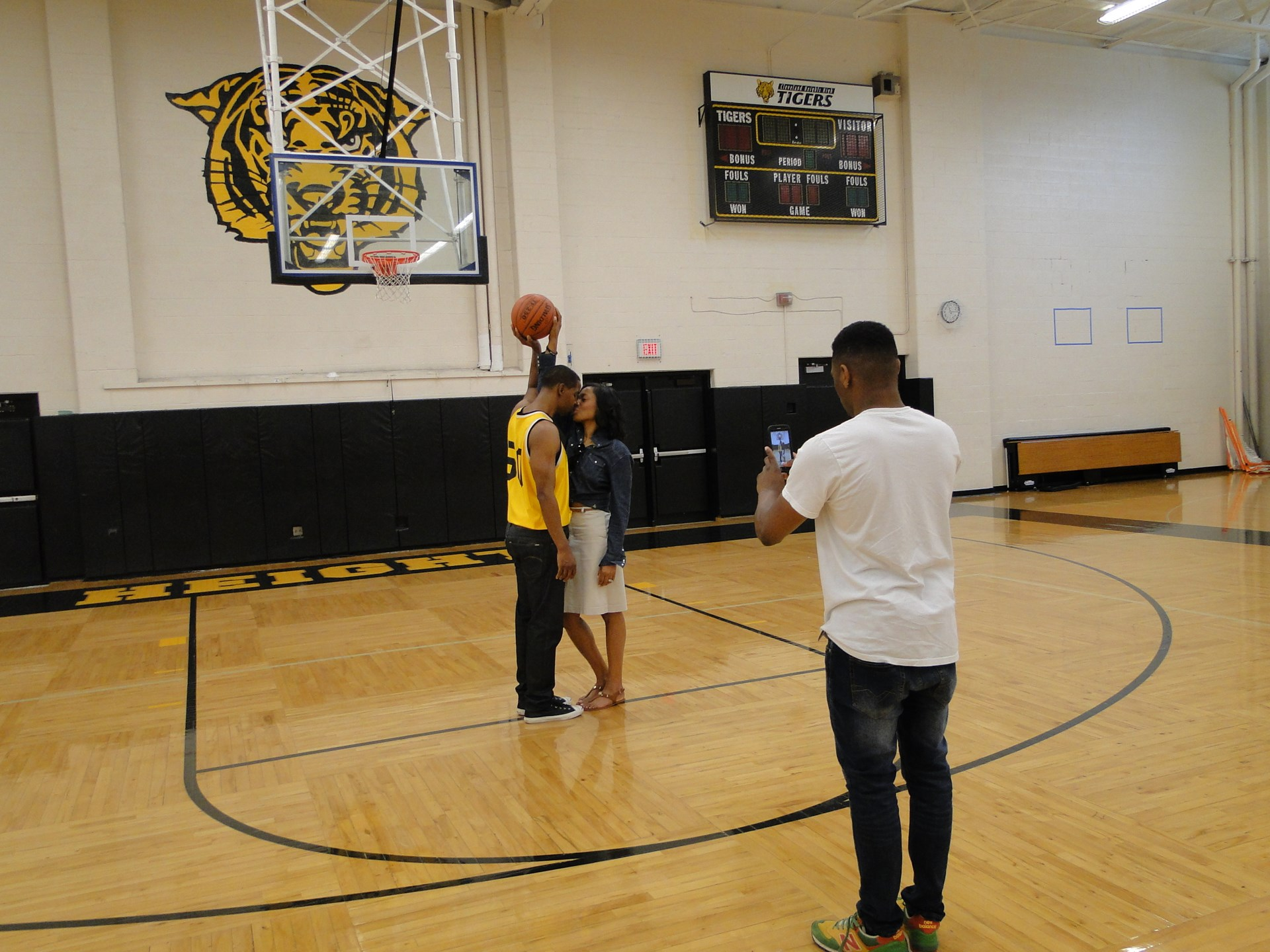 Alumni Roosevelt Glenn Stringer and Laeh (Levert) Stringer, 93, returned to the gym on June 4.